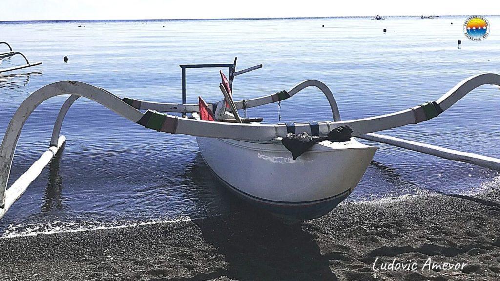 Jemeluk-beach-amed